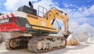 La excavadora Hyundai HX520L juega un papel importante en la cantera de mármol de Colonnata